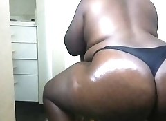 Thick juicy ass, come taste